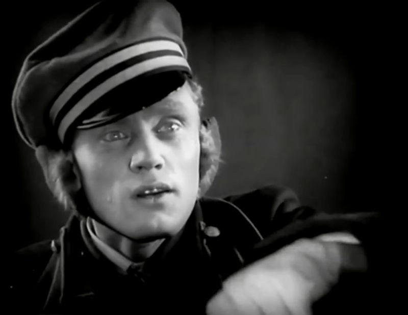 La Jeune Fille au carton à chapeau, Boris Barnet 1927 Devushka s korobkoy Mezhrabpom-Rus (14)_saveur