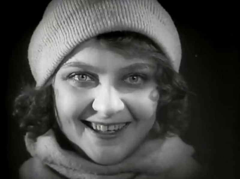 La Jeune Fille au carton à chapeau, Boris Barnet 1927 Devushka s korobkoy Mezhrabpom-Rus (3)_saveur