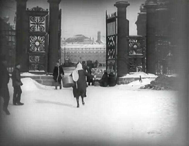 La Jeune Fille au carton à chapeau, Boris Barnet 1927 Devushka s korobkoy Mezhrabpom-Rus (5)_saveur